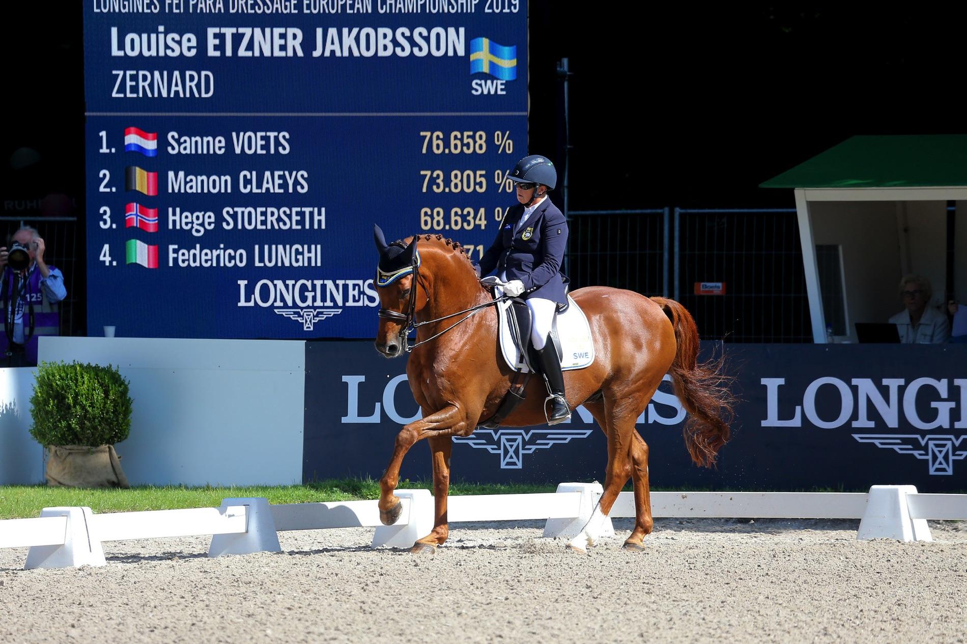 Mästerskapshästen Zernard och Louise Etzner Jakobsson.